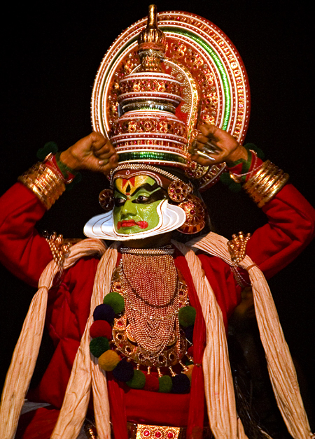 Arjuna from a Kathakali performance, Fort Cochin, India. Seth Rosenblatt (c) 2006
